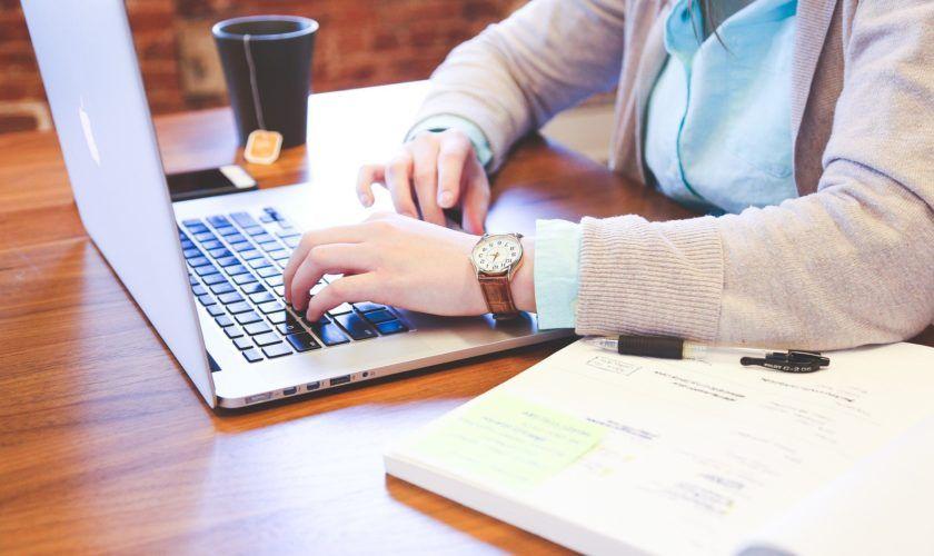 Como fazer um curso de administração online e gratuito